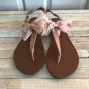 Qupid EUC adorable pink bow sandals size 7